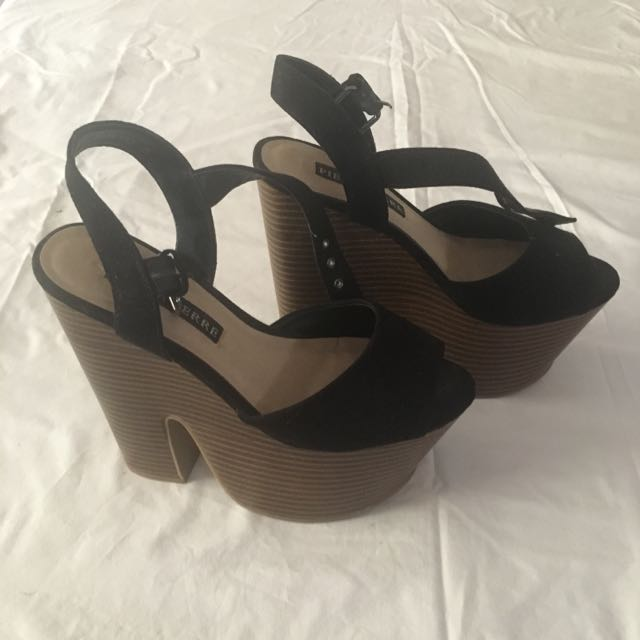 Pied Á Terre - Black And Tan Wedges - Size 5