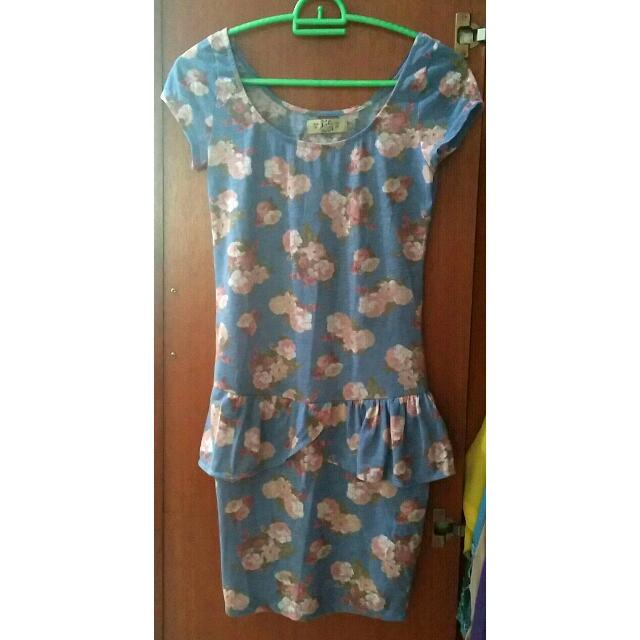 Pull N Bear Peplum Dress Floral Rose Pattern