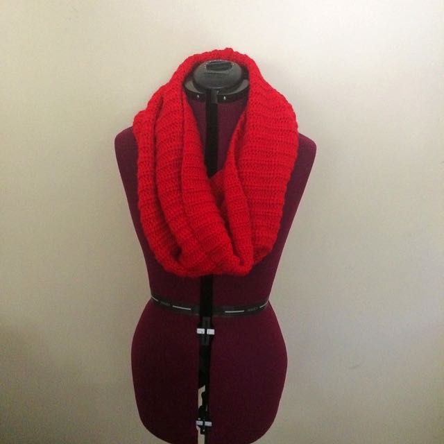 Red Knitted Snood