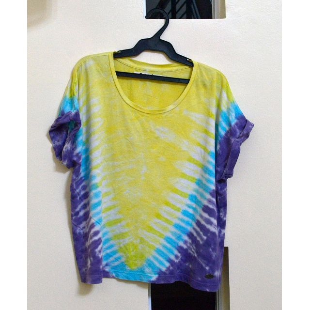 Roxy yellow and purple tie dye shirt
