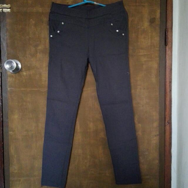 Selling Pre-loved BUT WELL-LOVED Gray Skinny Slacks