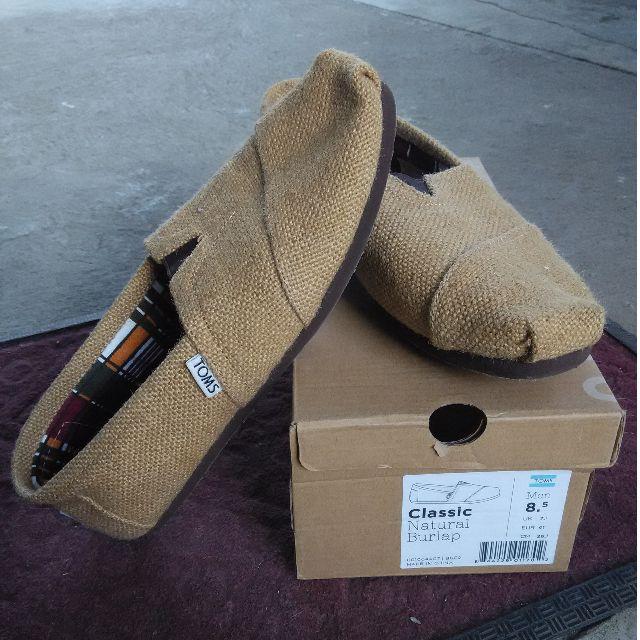 Toms Shoes Size 8.5 Mens