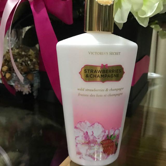 Victoria Secret Strawberries & Champagne Body Lotion