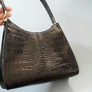 Iiz Claiborne Bag