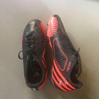 Adidas Predito (Women Soccer Shoes) Size 7