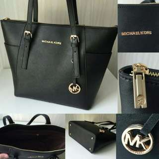 Michael Kors Zipper