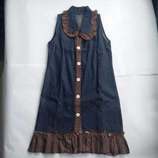 No-sleeve Outer Dress
