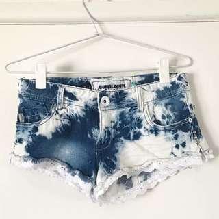 BUBBLEGUM Denim Shorts - Size 8 - Tie Dye Acid Wash Mini Short Shorts