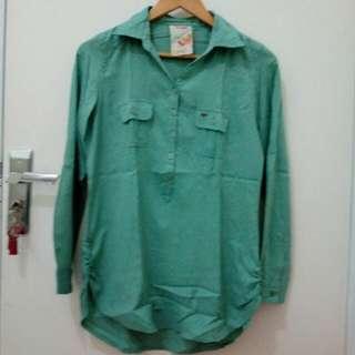 Green Shirt - Triset
