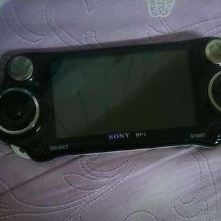 Sony Mp5 電動 300多種 懷念童年遊戲 沒有充電線 需另外去3C店家購買 本機體已經沒電了