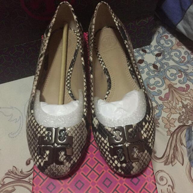 Authentic Tory Burch Size 6