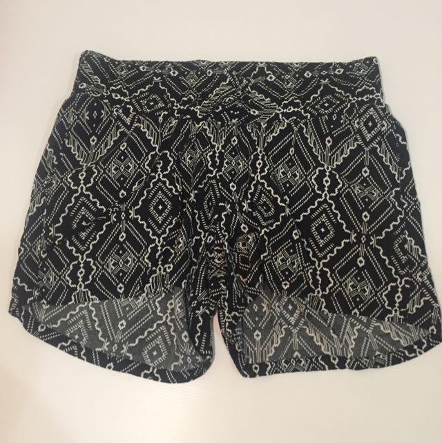H&M Short Size 40