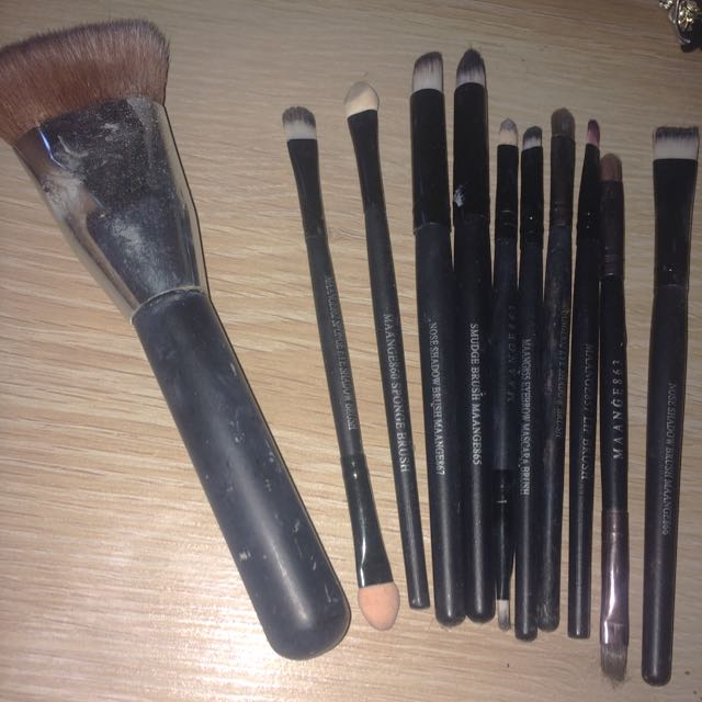 Makeup Brushes $5