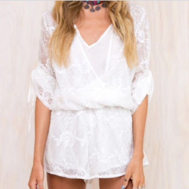 PRINCESS POLLY White Playsuit *FREE SHIPPING*