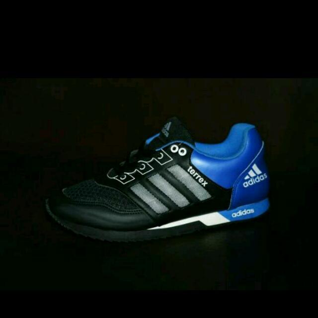 Sepatu Adidas Terrex Jogging / Hitam Biru / Sport Casual Pria