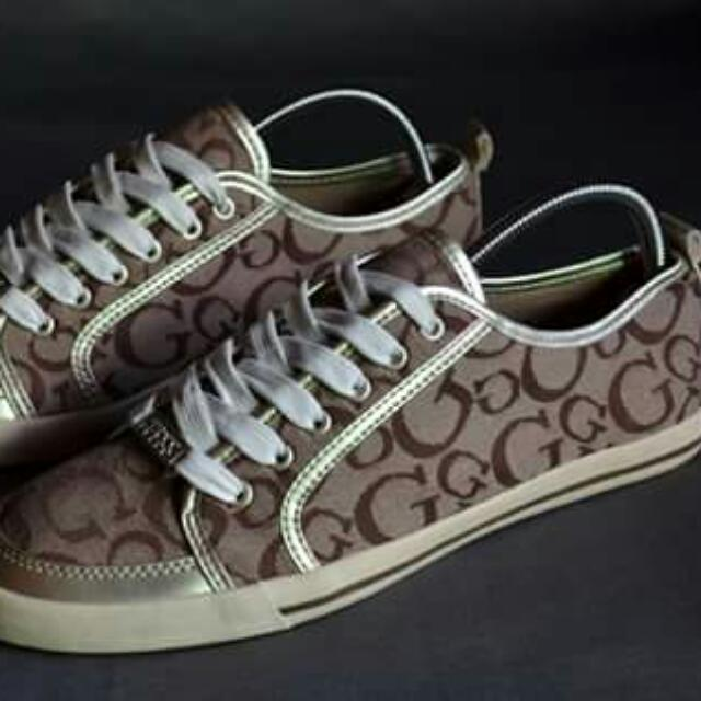 Sneakers - Guess