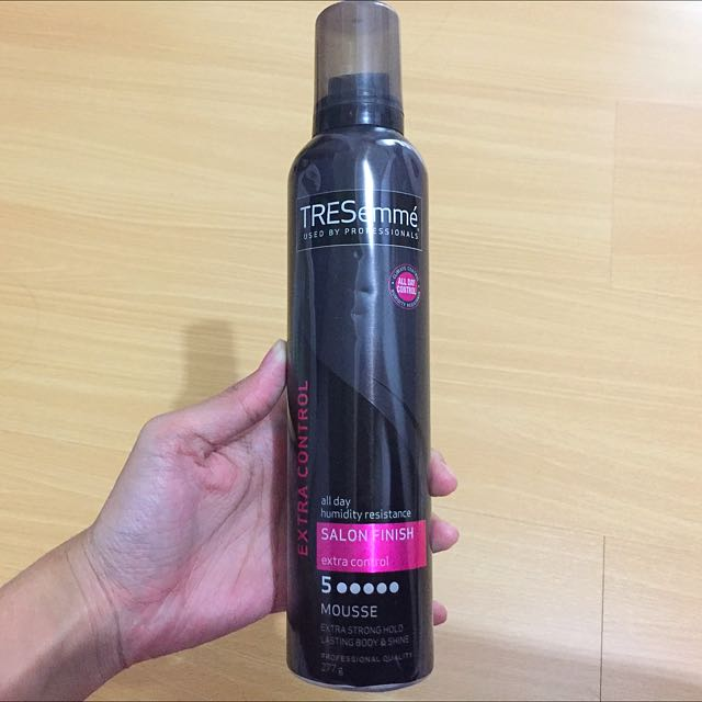 TRESemmé Salon Finish Extra Control