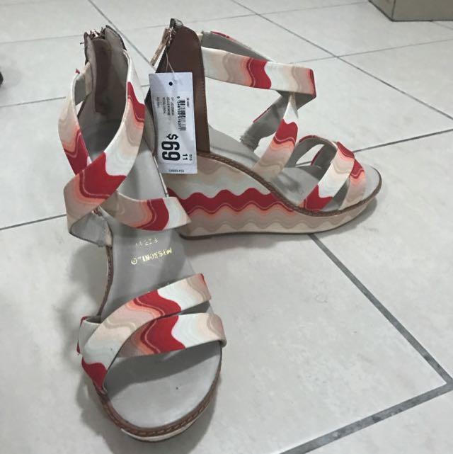 Women's Wedge Heel Size 11