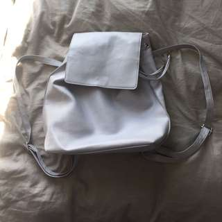 GREY PLEATHER BACKPACK