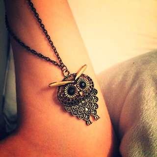 Gold Vintage Owl Pendant