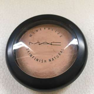 MAC Mineralize Skinfinish - Medium Dark