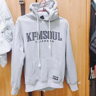 KFM灰色字母帽T