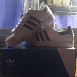 Adidas經典款superstar球鞋