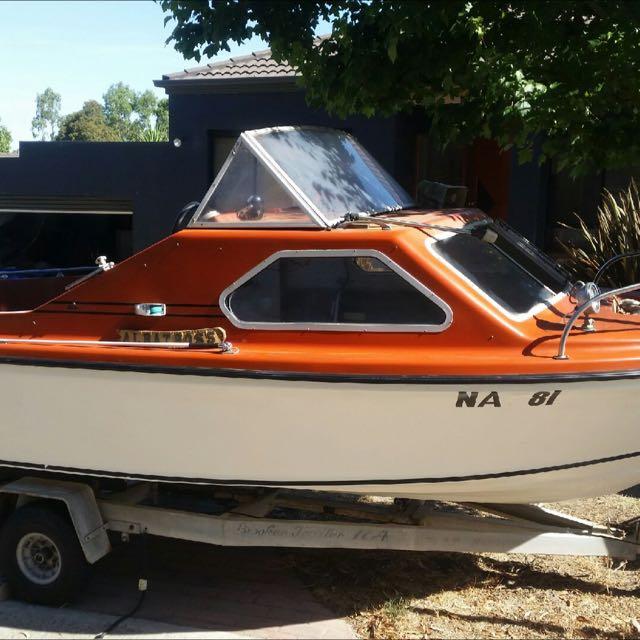17 Foot Fibreglass Boat 50 Hp Motor