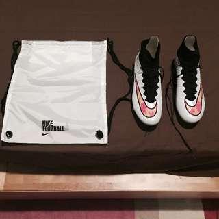 Nike Mercurial Flyknit Football Boots