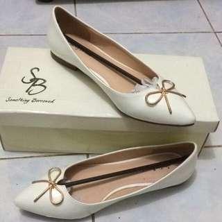 Sepatu flat Shoes Putih