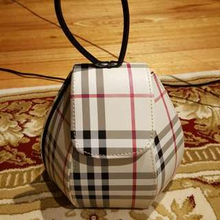 🆕Burberry Purse