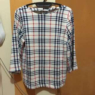 Baju LV Putih