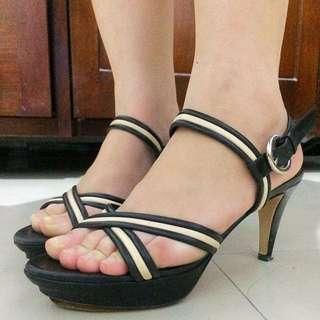 Bally Heels Wanita Hitam