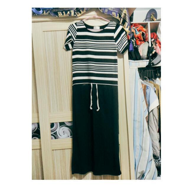 黑白條紋連身裙