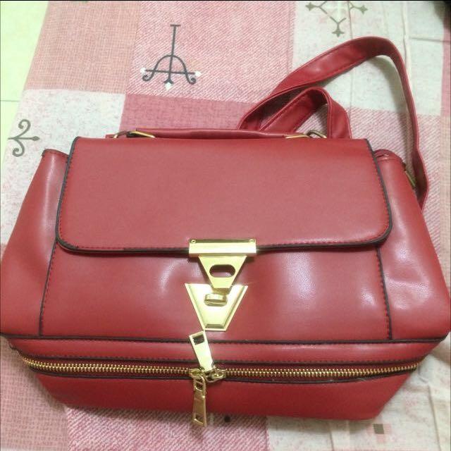 降價~🈹紅色質感側背包(賣場商品買三送一)