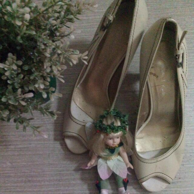 Authentic Charles And Keith Heels