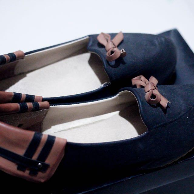 Black Platform Shoe