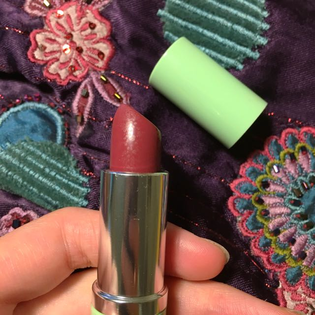 Clinique - A Different Grape Lipstick