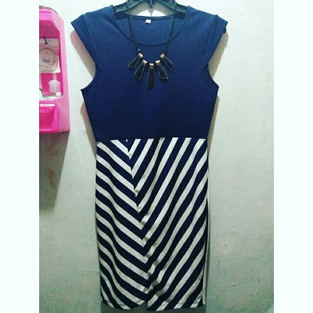 Dress Navy Salur