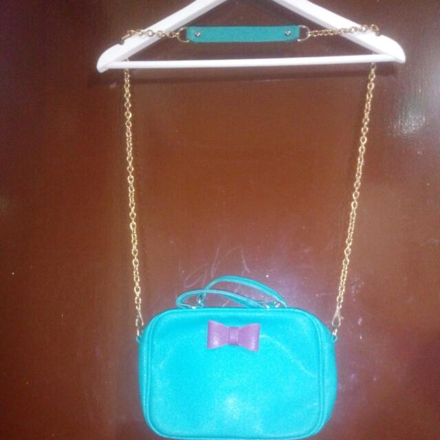 ✴FREEBIE✴  BUY my PRELOVED items WORTH of 400 and get this bag for FREE!!  Secosana sling