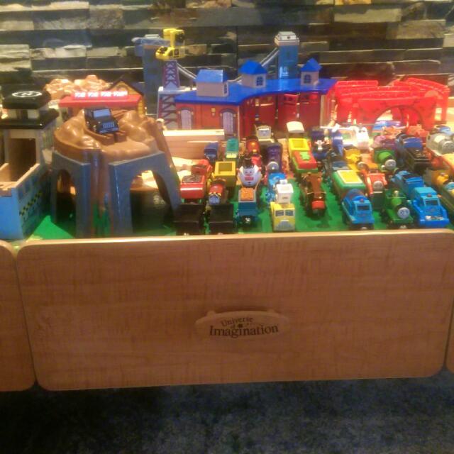 Imaginaruim Train Table