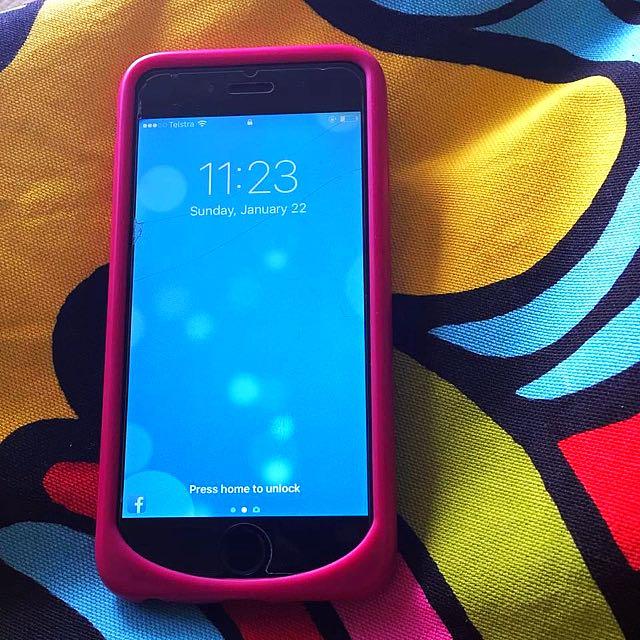 iPhone 6- 16 GB Unlocked Space Grey