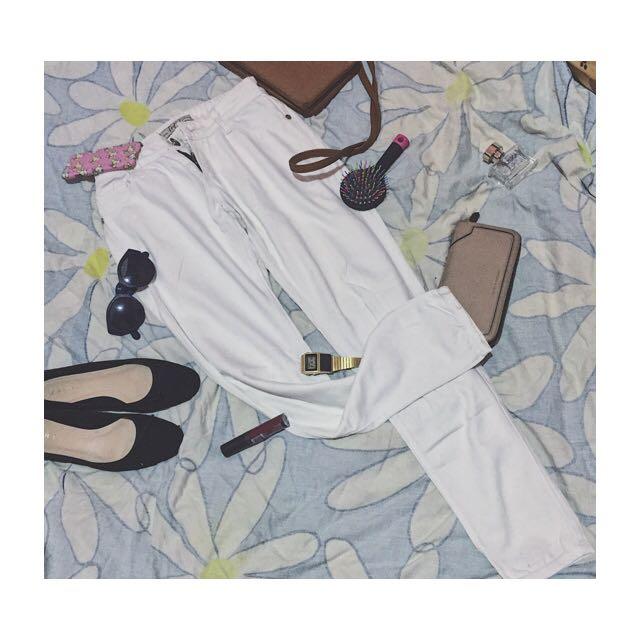 Jeans Putih Uniqlo (28) ,celananya sudah rada longgar