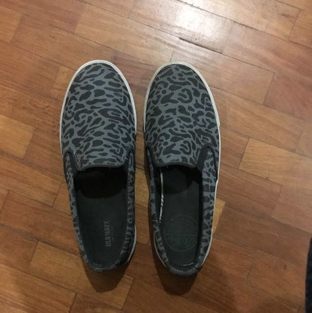 Old Navy Slip Ons Size 8