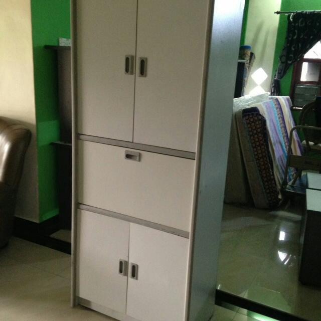 Perabut Terpakai Meja Pejabat 5unit White Board 4x8 Almari 3x8 Dan 10 Unit Parion Home Furniture On Carou