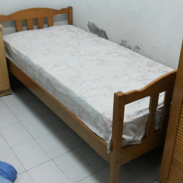 Ranjang kayu - Ranjang tingkat (single bed 2x)