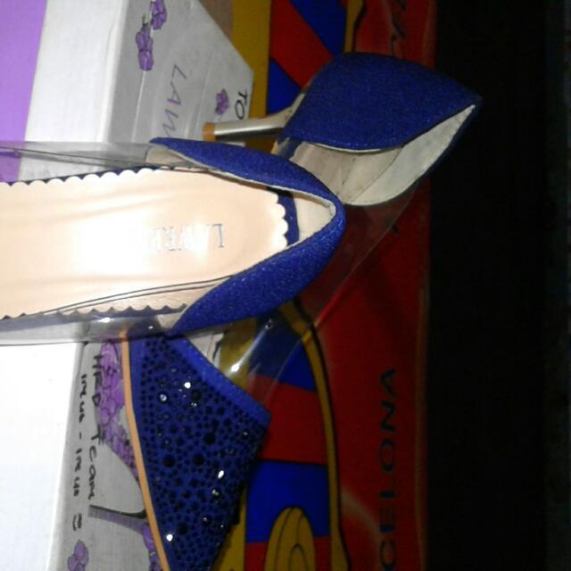 Sepatu Lawrensia Ori