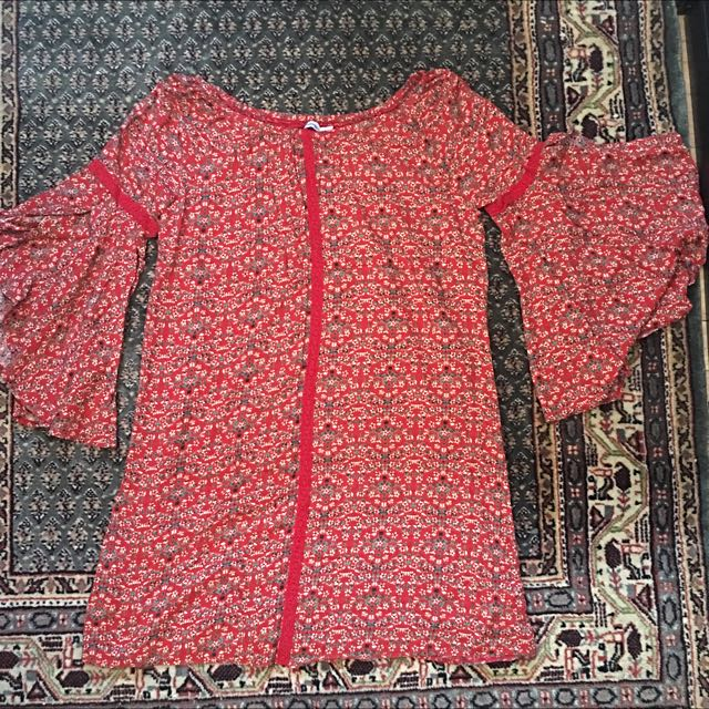 Size 12 Valleygirl Red Bell Sleeve Dress