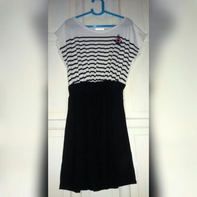 YELLOWLINE Stripe Dress