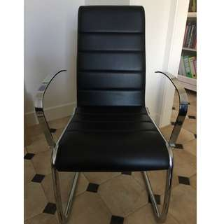 2 x BLACK FAUX LEATHER CANTILEVER CHAIRS WITH CHROME METAL ARMS AND BASE